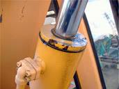 油圧シリンダ油漏れ